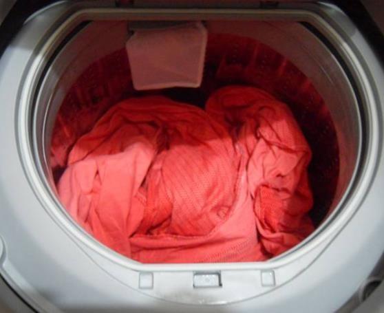 """""""床单""""脏了能用洗衣机洗吗?听家纺店员工一说完,后悔莫及(图4)"""