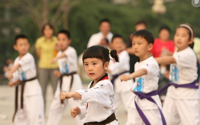 女孩子学跆拳道有什么坏处?学习跆拳道的最佳