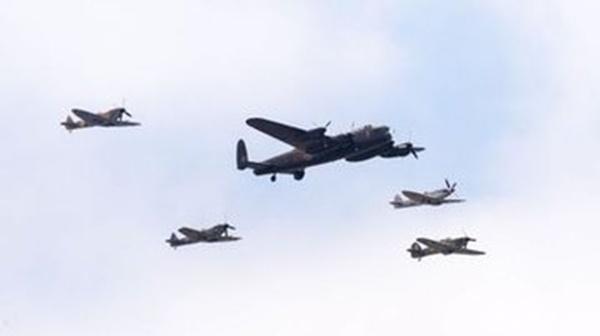 它是史上首次千机大轰炸的主力,号称轰炸机中