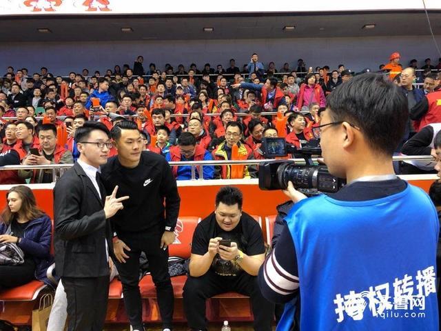 王大雷:篮球场氛围很棒期待山东高速男篮取胜