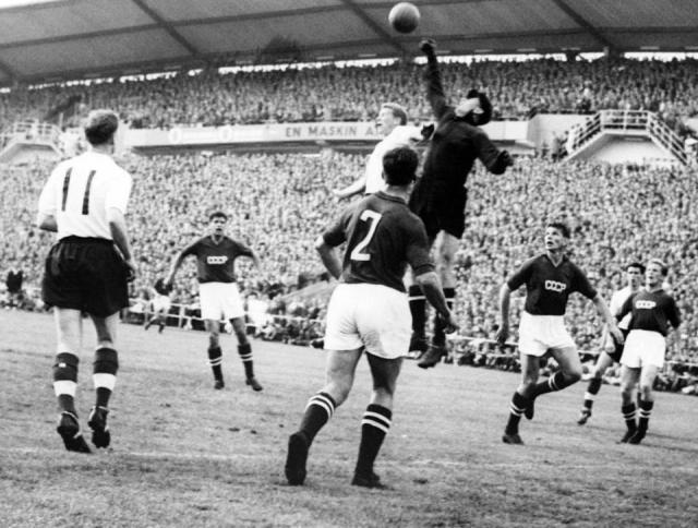 【世界杯往事·番外】从工人到英雄 雅辛的传