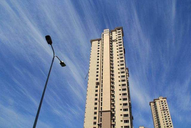房价走势分化明显,三四线城市房价依然坚挺,还能坚持多久?