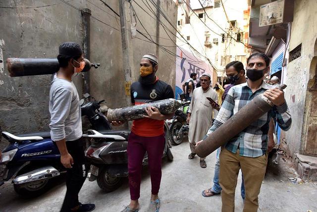 印度德裡氧氣工廠建設遇阻 中央與地方政府互相指責