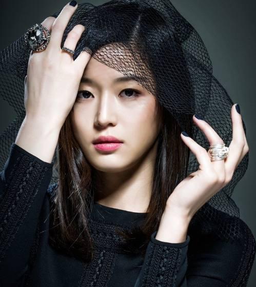 长着中国脸的外籍明星,你知道有几个?