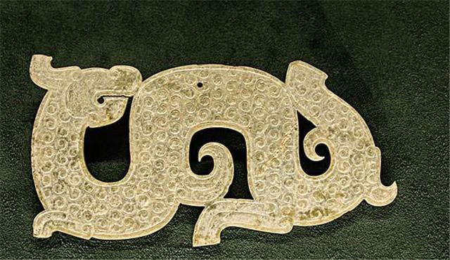 关于龙的传说 经典民间故事400字左右