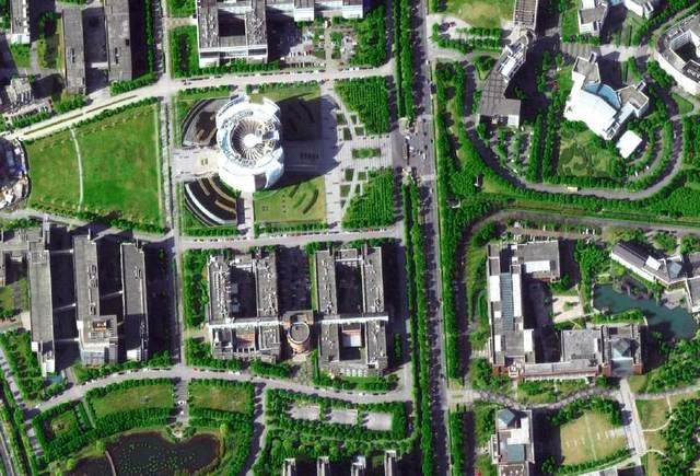 美國衛星拍攝到蘇州駕考觀山考點 場內地形一目了然