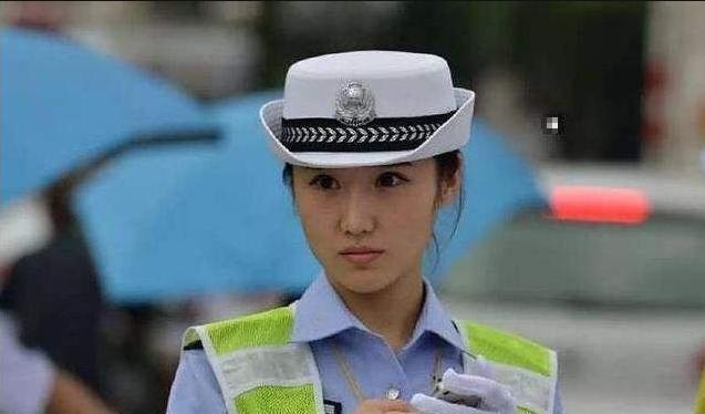 交警提醒:9月1日起这6种闯红灯行为,不算违章更不用交钱!