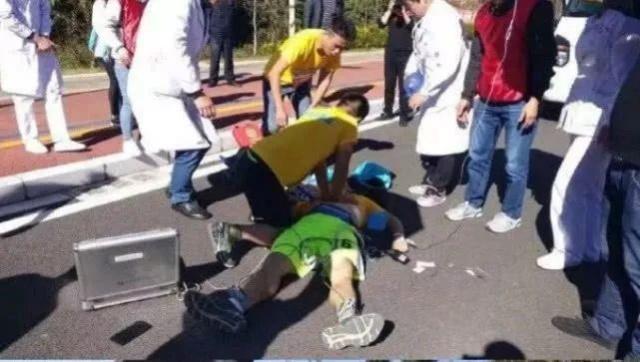 绍兴马拉松一选手晕倒被救后反应匪夷所思,他