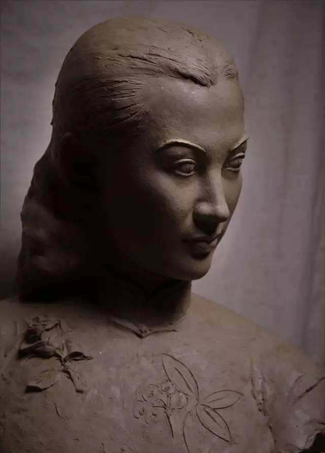 周旋铸铜人物肖像雕塑泥塑