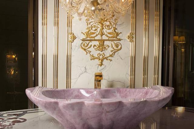 世界上最贵的浴缸,价值七百万人民币_世界上最贵的浴缸