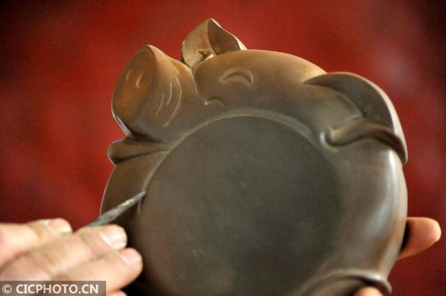 山西绛州:生肖猪砚迎新年 第2张
