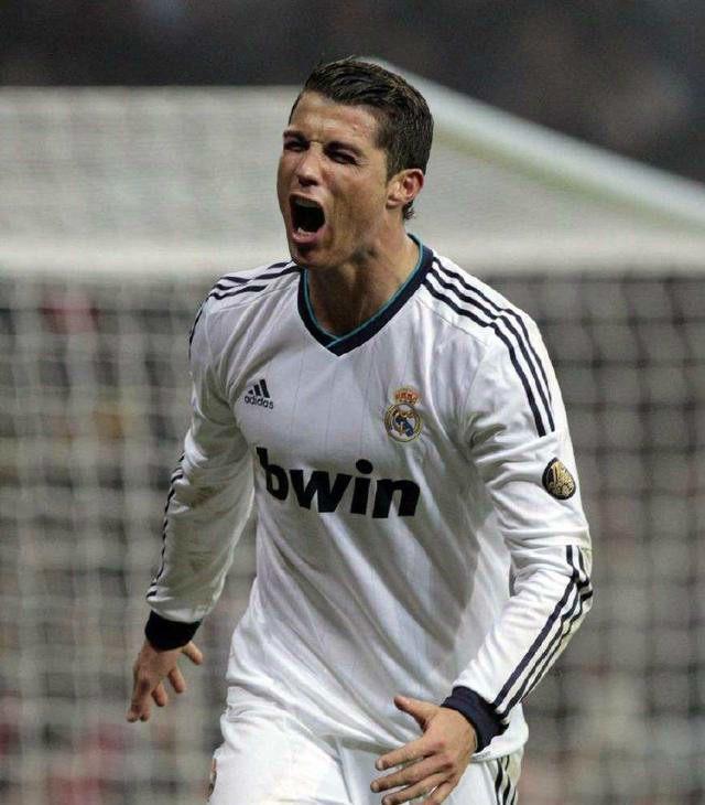 世界足坛历史十大超级巨星,你最崇拜那个