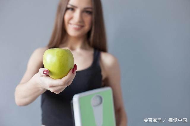 """入秋后减肥,吃饭时记住这""""4不要"""",或许体重-轻博客"""