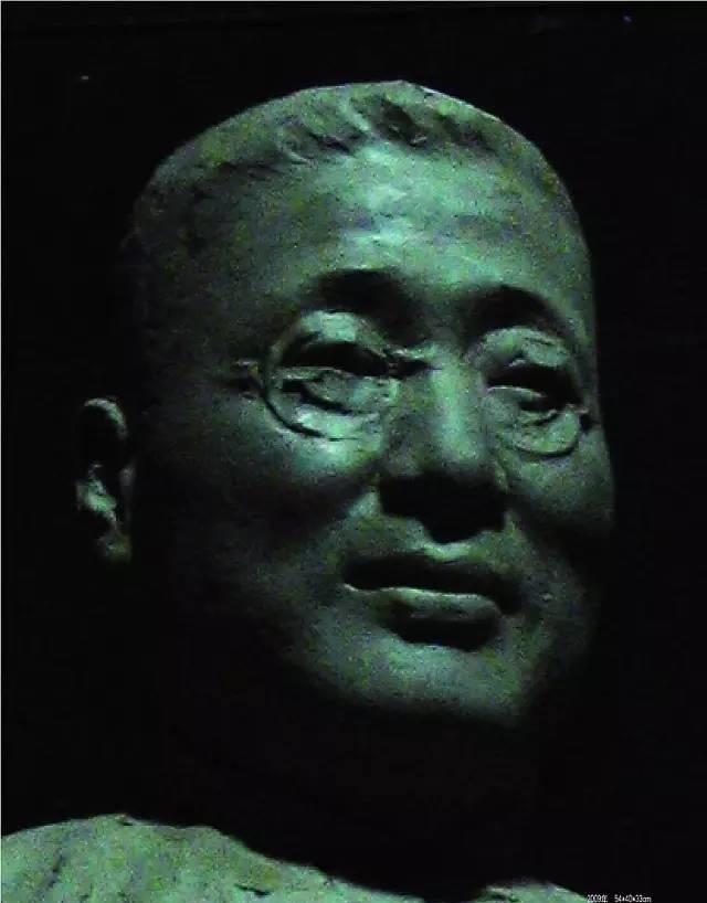张伯苓铸铜人物肖像雕塑