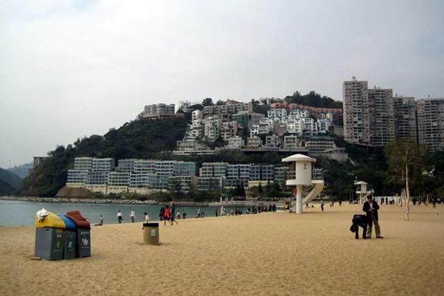香港浅水湾别墅区_去了一次香港浅水湾,才知道香港的富豪们住的啥房子?让人惊讶!