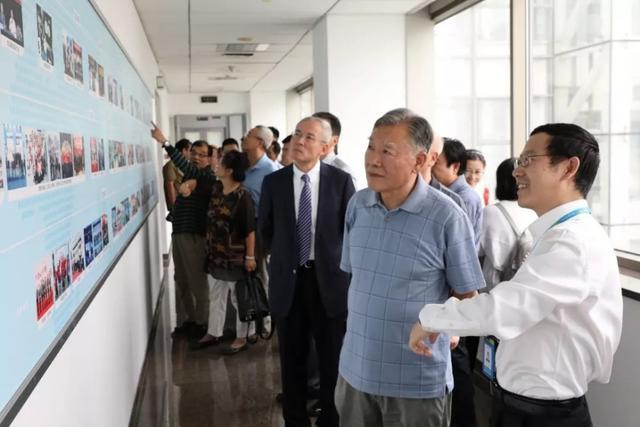 中国移动通信发展30年论坛开启 见证成长、缅怀过...