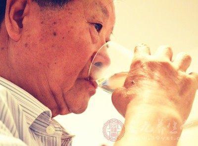 喝黄芪水的禁忌_喝黄芪水不注意这些等于白喝