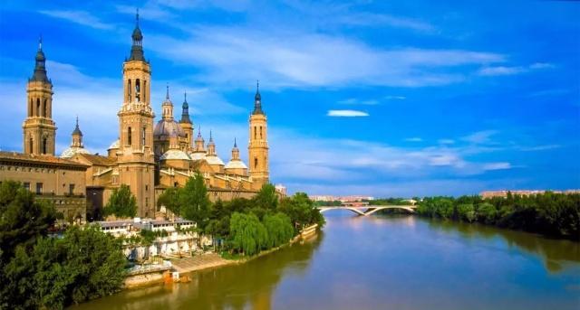 这里是西班牙