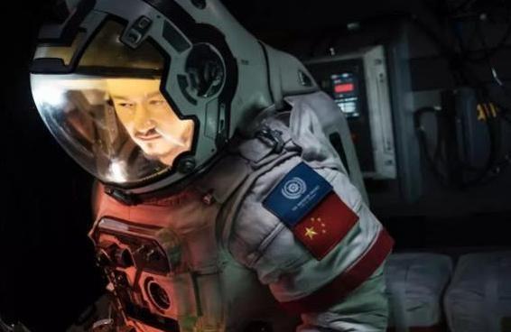 《流浪地球》香港首映获票房冠军 收视情况稳步上升或将创票房纪录