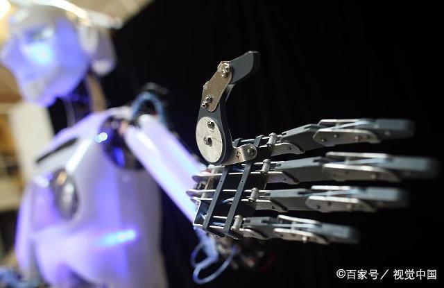 别拔我电源!人与机器人最恐怖的对话发生了