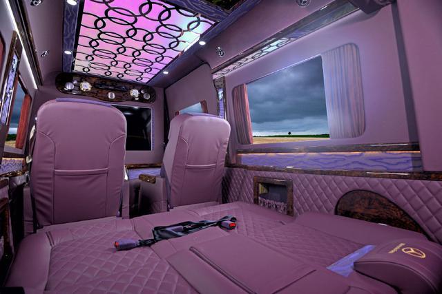2019款进口奔驰斯宾特商务车,斯宾特紫色云锦款