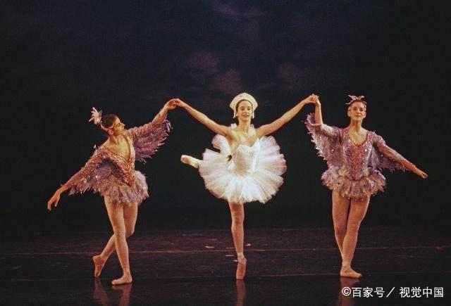 芭蕾舞是怎么产生的