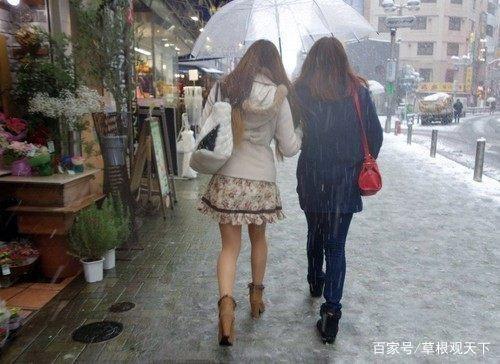 「别忘穿秋裤有几种说法」有一种寒冷叫忘穿秋裤