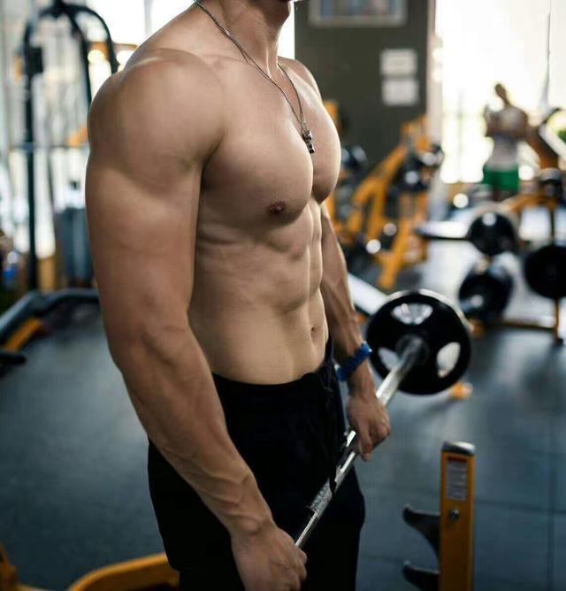 健身房新手训练计划选择建议 新手健身计划一
