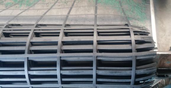 双向钢塑土工格栅
