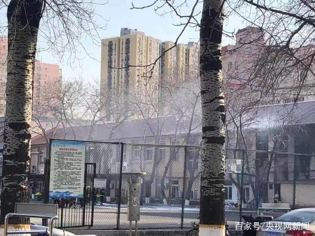 北交大爆炸现场 外围已看不见明火仍有刺鼻气味