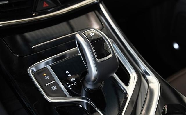 吉利全新MPV,比宋MAX霸氣,油耗5.9L卻不貴