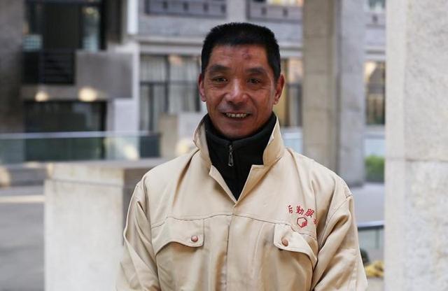 中国美院保洁员,中国书法,高压清洗机,保洁员,北京保洁公司