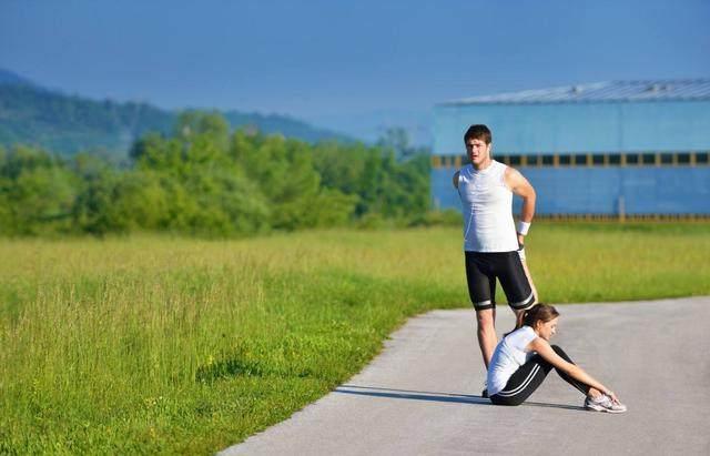 早上该不该空腹跑步?许多人都不知道其中的奥-轻博客