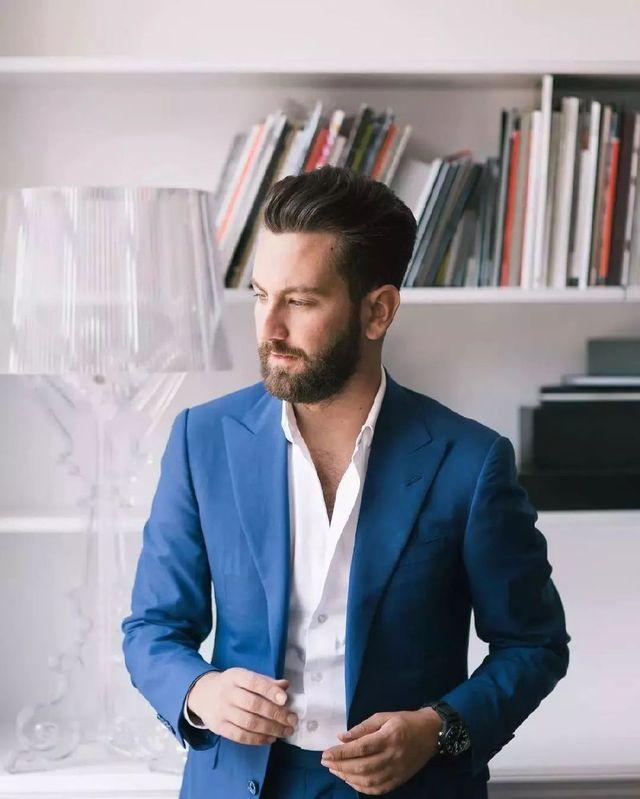 不打領帶時,應該穿什麼樣的襯衫?