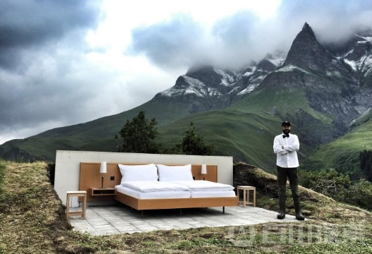 """瑞士""""豪华""""酒店仅供一张床 住一晚也要两千"""