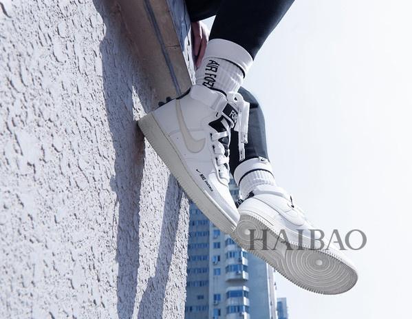 u=3132350244,1884383131&fm=173&app=49&f=JPEG?w=599&h=463&s=F794CF2002017AFCCDB911DF0300C0A0 - Nike AF1 High Utility女鞋煥新演繹經典,周雨彤、鍾楚曦精彩演繹