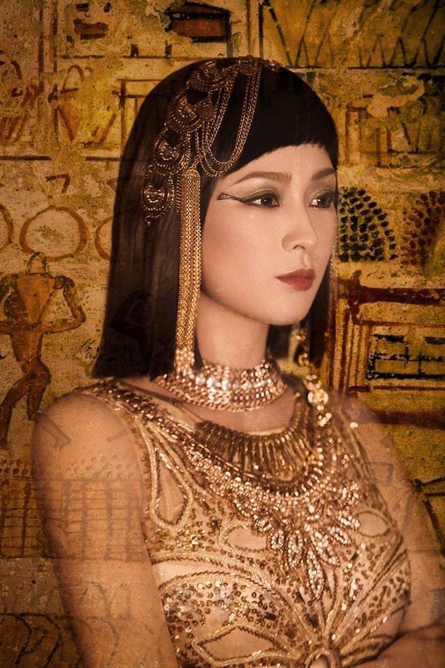 马苏埃及艳后造型最新大片,妆容超绝,眼神到位,女神这是超越了