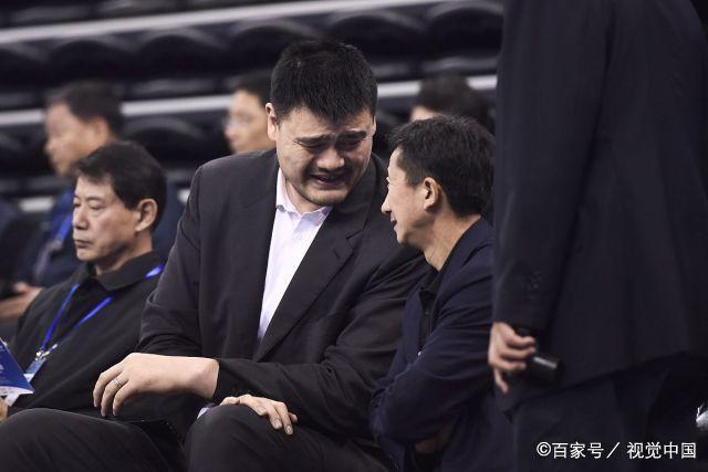 中国男篮迎战黎巴嫩,姚明现场助威真是太棒了
