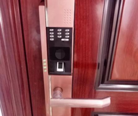 为啥有钱人家里从不装指纹锁?问了师傅原因,用了实在太坑了!