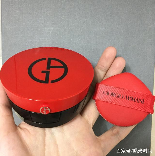 雪花秀木莲花气垫PK阿玛尼红气垫,到底哪一款更值得买?