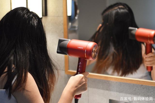 用完这个吹风机,男生表示也想留长头发,你呢?