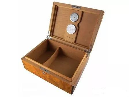 如何開始啟用一個新的雪茄保濕箱?