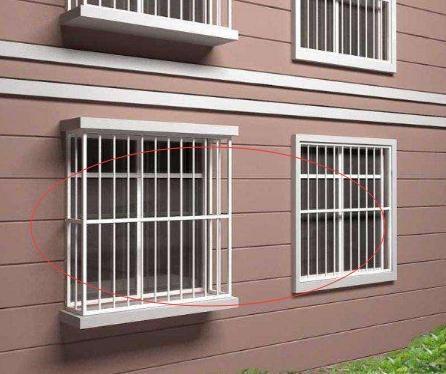 家里别再装传统不锈钢防盗网了,头次见有钱人家装这种,太聪明了