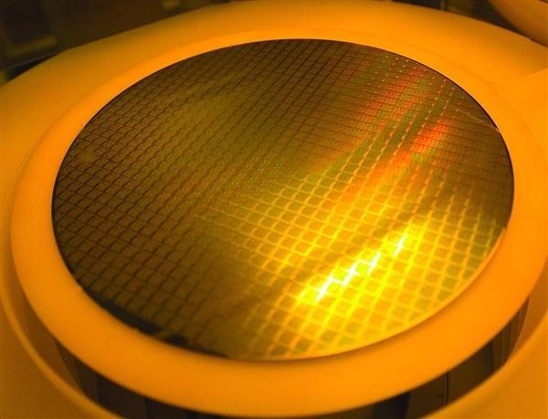 台积电今年要买18台EUV光刻机:第二代7nm最快3月量产