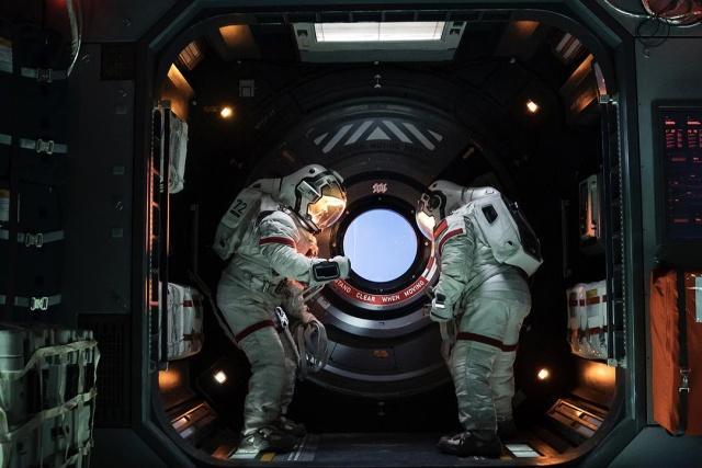 《流浪地球》共2003个特效镜头,为中国特效制作占比骄傲