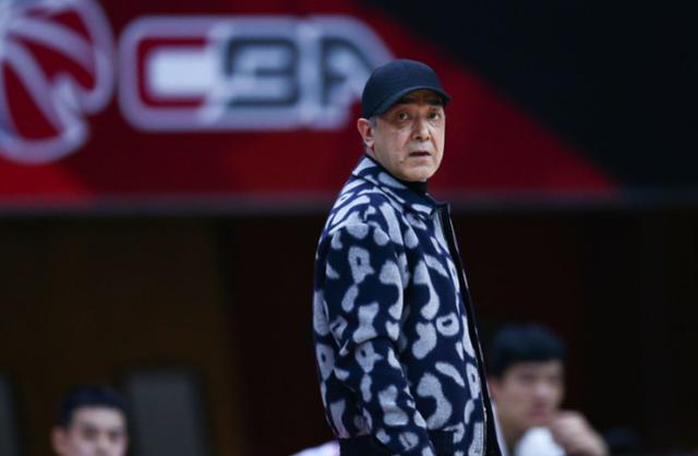 終於明白為什麼球迷希望李春江執教新疆男籃,看完分析,豁然開朗
