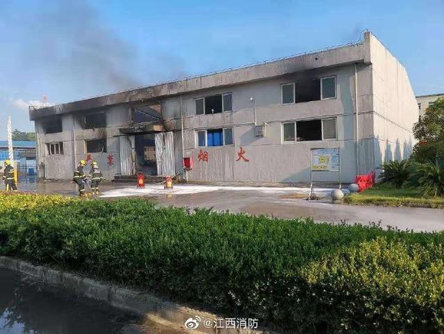 南昌一化工厂爆炸 60名指战员前往增援
