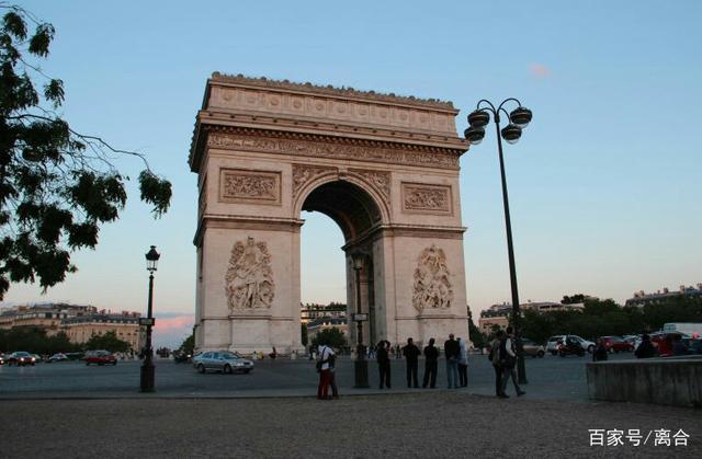 法国历史有很多的英雄,拿破仑是必须提到的