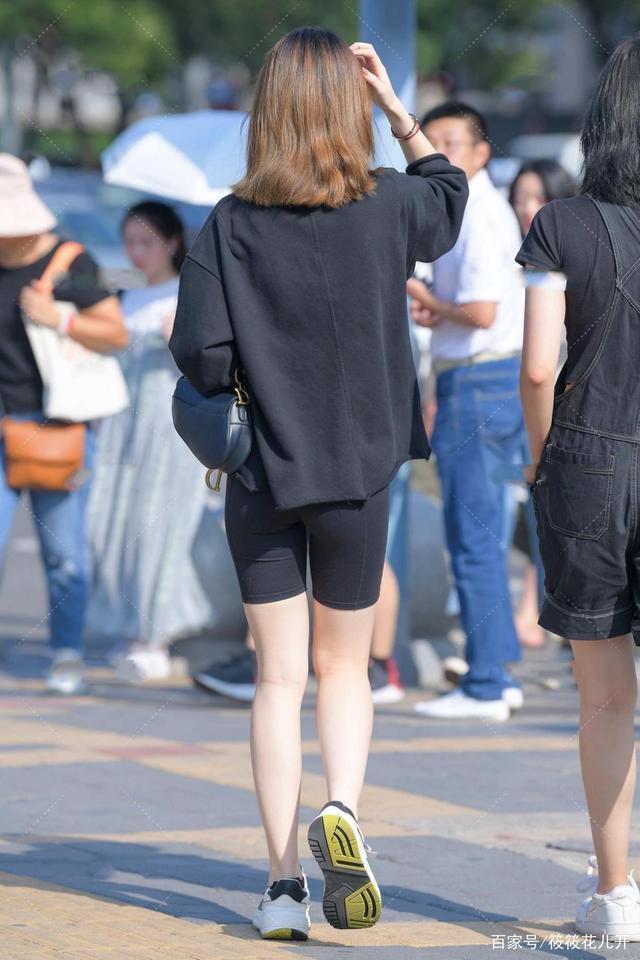 五分運動休閑褲不顯腿短,搭配得體,顯黃金比例