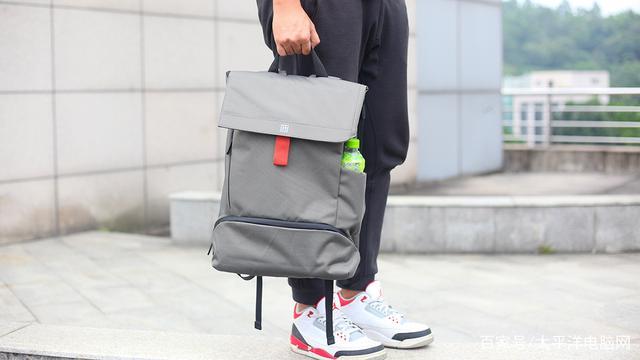 一加双肩包:设计感满满的爆款背包